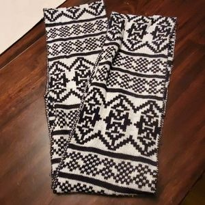 Accessories - Black & white scarf infinity